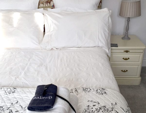 The Stable Room bedding | Kingsize bed in cosy room at the Granary Barn | Stay | Relax | B&B in the Somerset Levels